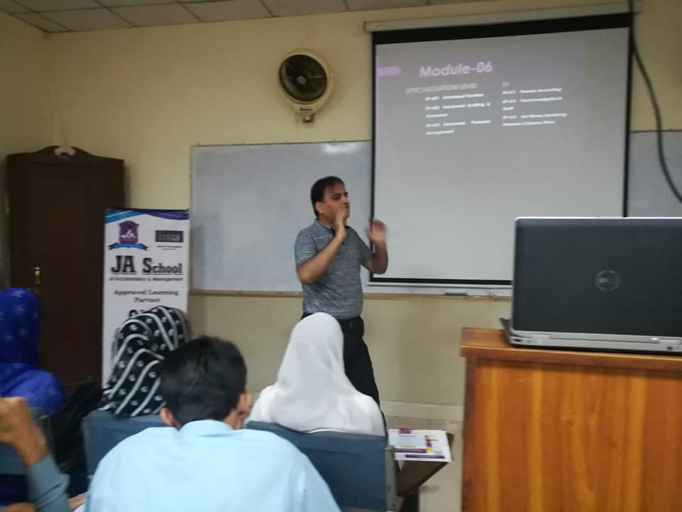 Mr. Junaid Aziz, Director JA School of Accountancy delivering lecture on accountancy profession