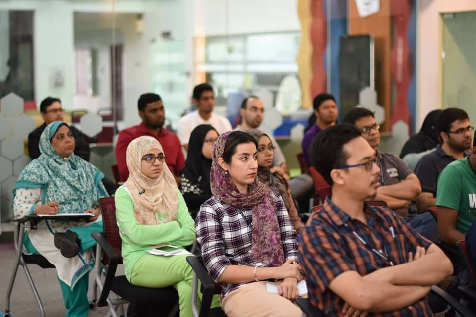 Faculty of Computer & Information Technology (FSKTM), University of Malaya attending to Dr. Rehman Ali's lecture