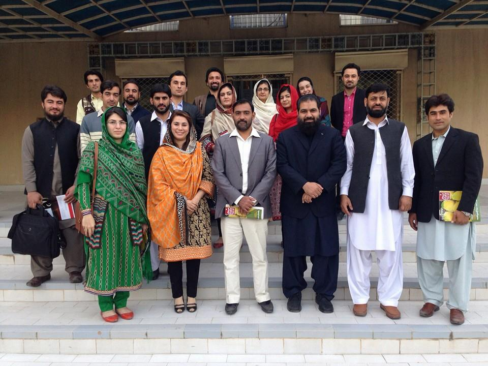 Group photo of IPCS faculty and Students with Chief Librarian
