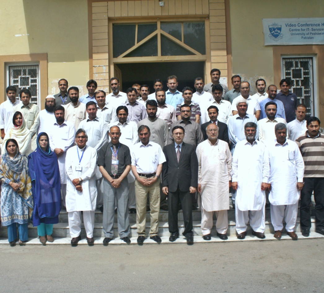 Group Photo of Vice Chancellor UoP Prof. Dr. Muhammad Rasul Jan with participants of workshop on Intellectual Property Rights held under ORIC at the Video Conferencing Hall