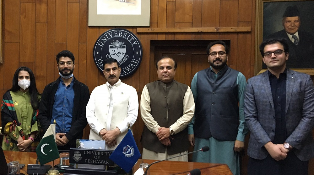 Prof. Dr. Muhammad Idrees, VC UoP is chairing a meeting on 16/03/2021 with the team  and volunteers of the Directorate of Community Services Program, University of Peshawar wherein avenues of mutual cooperation  between Turkish Embassy in Pakistan and University of Peshawar were discussed.