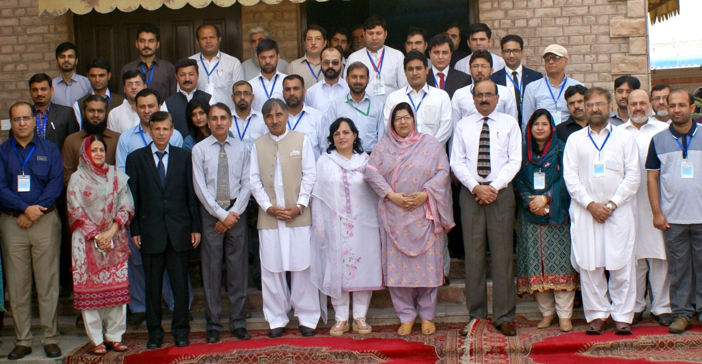 Minister for Labor and Minerals Ms. Aneesa Zeb Tahirkheili and VC, UoP Prof. Dr. Muhammad Rasul Jan in group photo with particpants of international conference on sustainable resources at the University of Peshawar