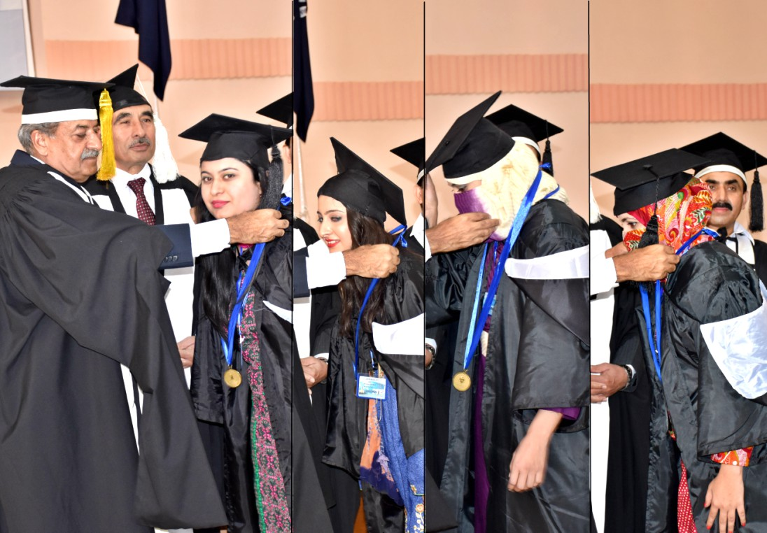 Governor Khyber Pakhtunkhwa Sardar Mehtab Ahmed Khan presenting Gold Medals to position holder students at the Convocation 2015 of the UoP