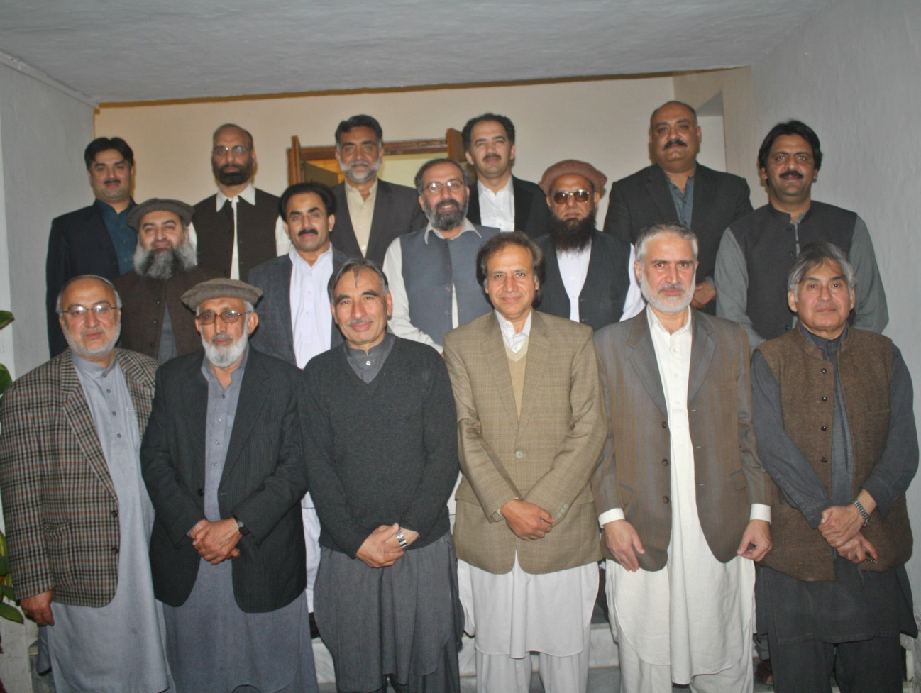 Group photo of participants with former deans Prof. Dr. Syed ul Hasanat and Dr. Mujib  Rahman at the farewell dinner by VC UoP Prof. Dr. Muhammad Rasul Jan at UoP