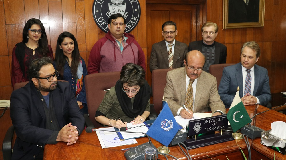 Vice Chancellor University of Peshawar Prof.Dr.Muhammad Asif Khan and Aghahi president Puruesh Chaudhary is inking a memorandum of understanding for promoting academic cooperation for Pakistan State of Future index and Millenium Project on 4th February, 2020.