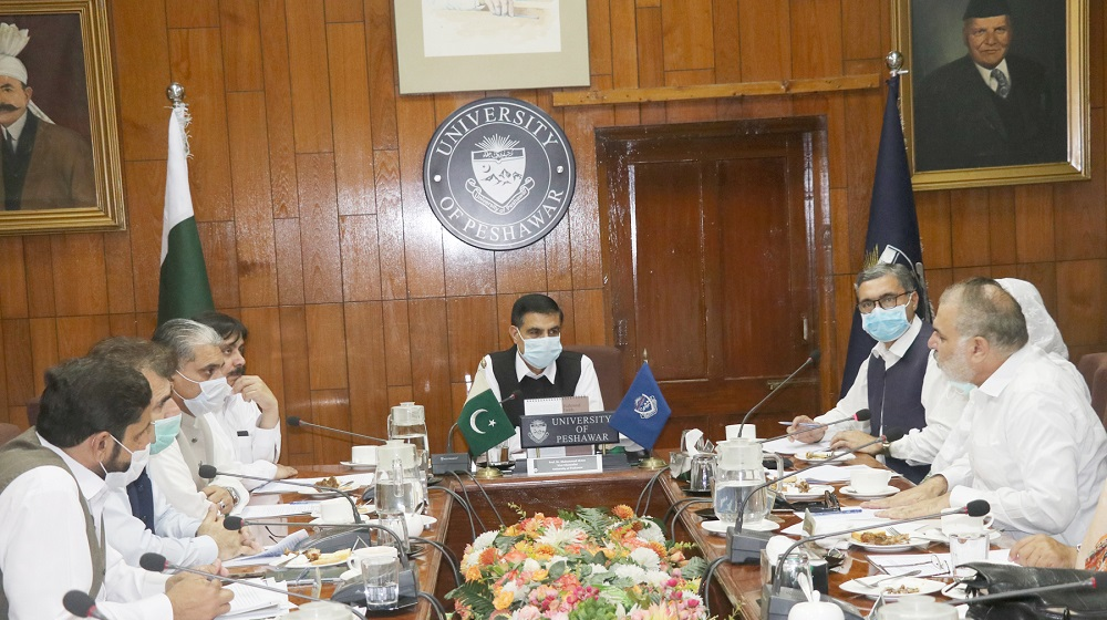 Vice Chancellor Prof. Dr. Muhammad Idrees chaired Syndicate's meeting. Commissioner Peshawar Riaz Khan Mahsud, Secretary Higher Education Dawood Khan, Dilroz Khan, MPA Asif Khan, Deans, Professors, ADG and Director PDA attended the meeting to resolve the matter of Slip Road.