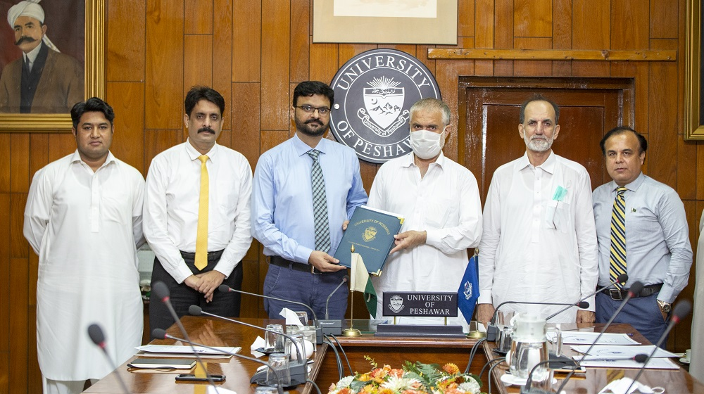 University of Peshawar has inked MoU with Dosti Welfare Organization on 11/08/2021 in the presence of the Pro-Vice Chancellor Prof. Dr. Muhammad Abid , Dean Faculty of Social Sciences Prof. Dr. Zahid Anwar and Dr. Shakeel Ahmed, Director Community Services Program.