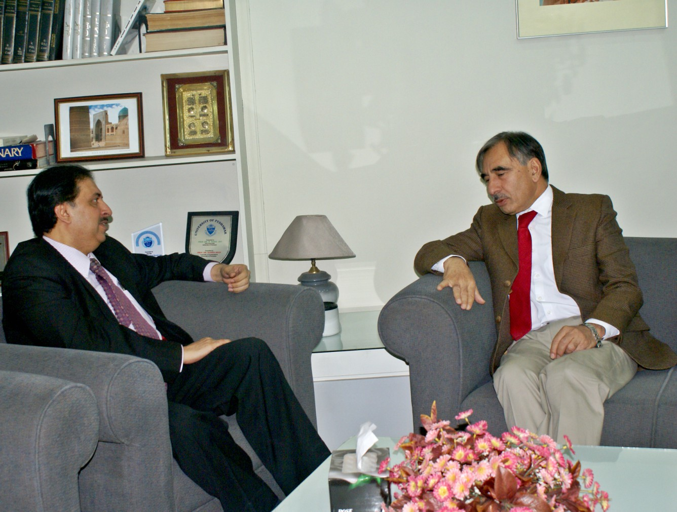 Vice Chancellor UoP Prof. Dr. Muhammad Rasul Jan in discussion with Secretary HED Zafar Ali Shah during his visit to the University of Peshawar