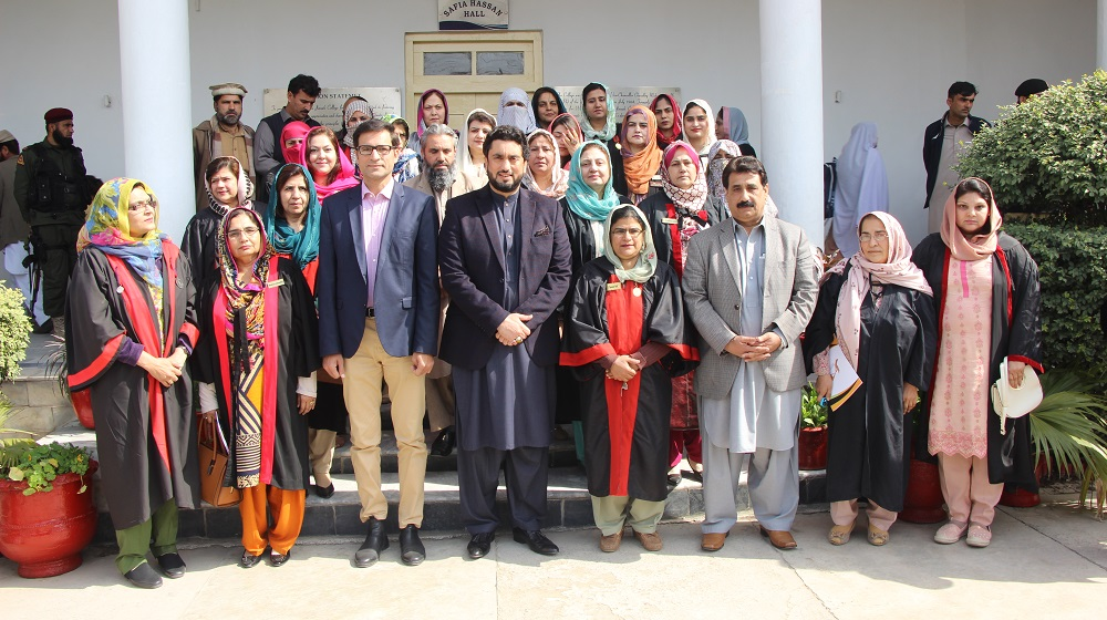 Minister of State for Interior Shehryar Khan Afridi and Registrar University of Peshawar Dr. Zahid Gul is posing with faculty of Jinnah College for Women at the annual prize distribution ceremony on 23rd February, 2019.